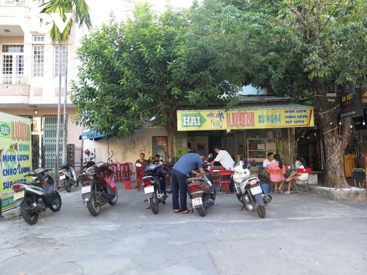 Người dân Đà Nẵng háo hức được tắm biển trở lại - ảnh 5