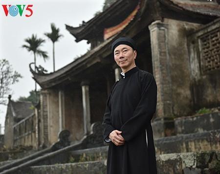 Nam công chức ở Huế mặc áo dài đi làm: Giữ gìn trang phục truyền thống của dân tộc - ảnh 9