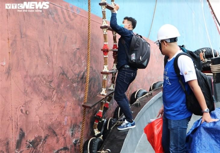 """Bóng hồng Việt đầu tiên """"xông pha"""" vào buồng máy tàu biển, sẵn sàng vượt Đại Tây Dương - ảnh 2"""