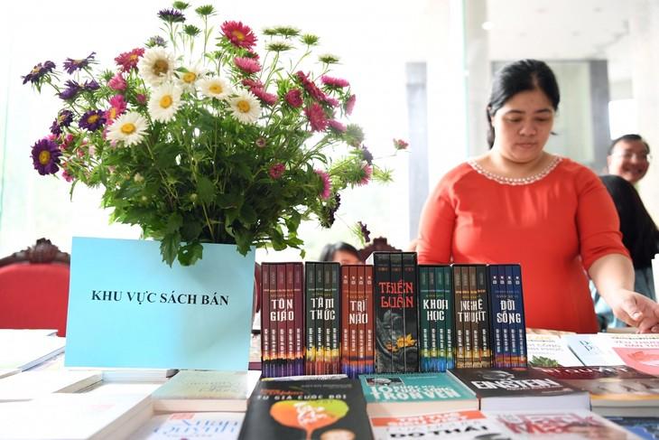 """VOV tổ chức """"Tuần lễ sách 2021"""" tôn vinh giá trị của sách và lan tỏa văn hóa đọc - ảnh 13"""