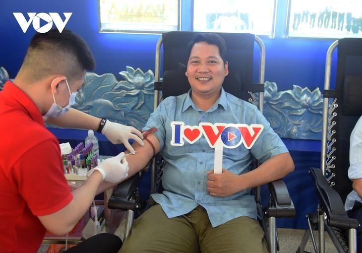 VOV tổ chức chương trình hiến máu tình nguyện, lan tỏa yêu thương  - ảnh 17
