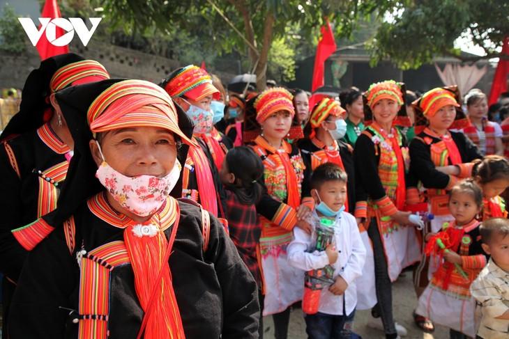 Sôi động lễ hội Then Kin Pang bên dòng Nậm Lụm - ảnh 10