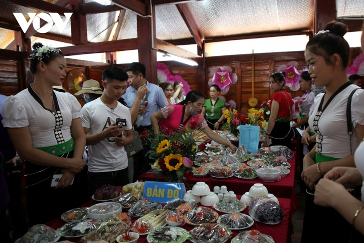 Sôi động lễ hội Then Kin Pang bên dòng Nậm Lụm - ảnh 11