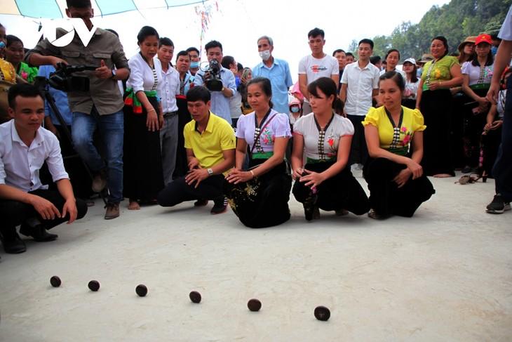 Sôi động lễ hội Then Kin Pang bên dòng Nậm Lụm - ảnh 12