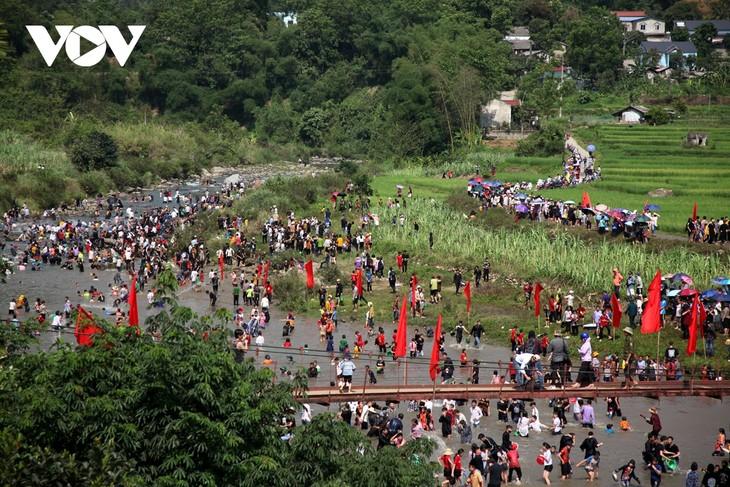 Sôi động lễ hội Then Kin Pang bên dòng Nậm Lụm - ảnh 15