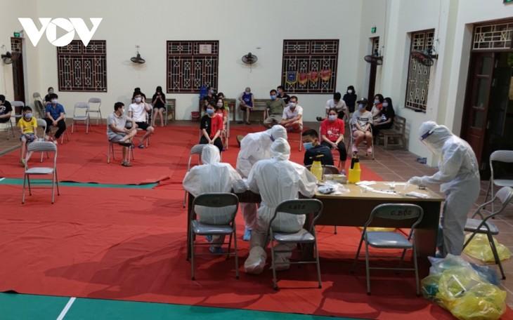 Huyện Thuận Thành (Bắc Ninh) tăng cường lấy mẫu F2 và bố trí các chốt trực 24/24h - ảnh 1