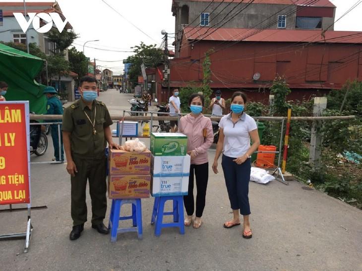Huyện Thuận Thành (Bắc Ninh) tăng cường lấy mẫu F2 và bố trí các chốt trực 24/24h - ảnh 4
