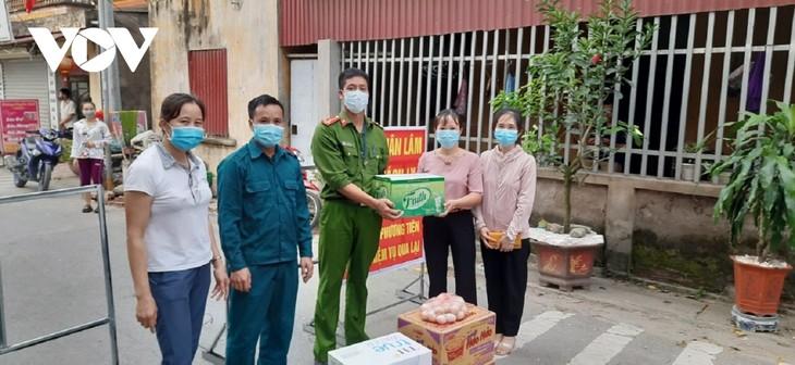 Huyện Thuận Thành (Bắc Ninh) tăng cường lấy mẫu F2 và bố trí các chốt trực 24/24h - ảnh 7