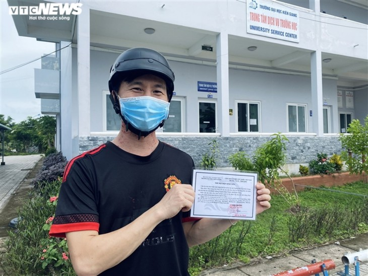 Cuộc sống của sinh viên nước ngoài bị kẹt lại giữa đại dịch COVID-19 - ảnh 7