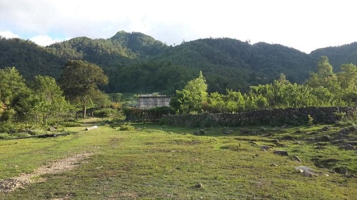 Hồ Séo Mý Tỷ, vẻ đẹp giữa núi rừng Tây Bắc - ảnh 10