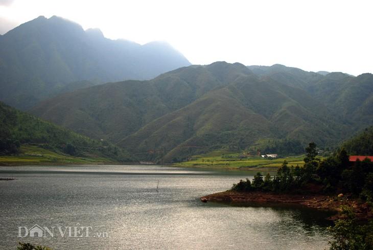 Hồ Séo Mý Tỷ, vẻ đẹp giữa núi rừng Tây Bắc - ảnh 5