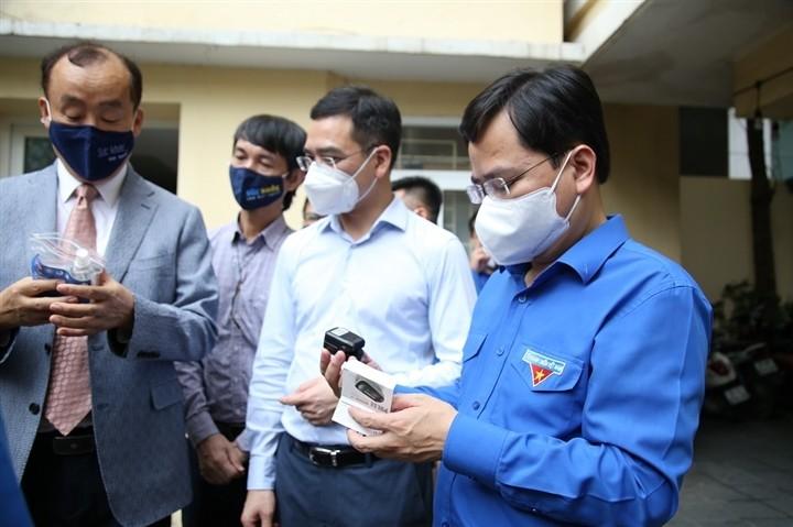 12.000 bánh Trung thu gửi 'chiến sĩ áo trắng' tuyến đầu chống dịch - ảnh 7