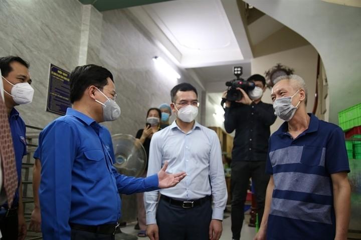 12.000 bánh Trung thu gửi 'chiến sĩ áo trắng' tuyến đầu chống dịch - ảnh 1