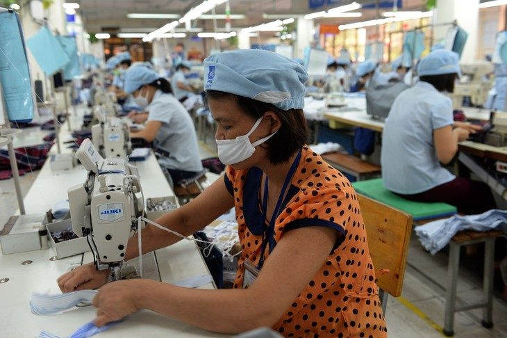 Boosting labor productivity for greater competitiveness  - ảnh 1