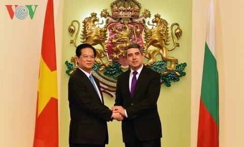ズン首相、ブルガリアを公式訪問 - ảnh 1