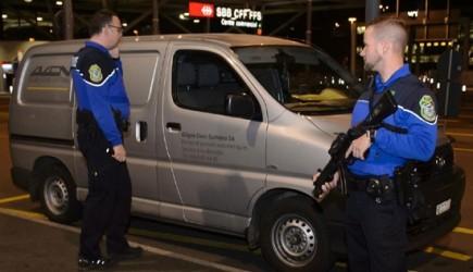 スイスでシリア国籍の2人逮捕 車に爆発物の痕跡 - ảnh 1