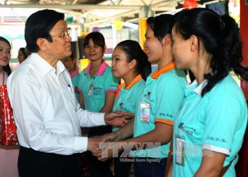 サン主席、バリア・ブンタウ省の労働者を訪れる - ảnh 1