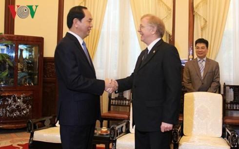 クアン国家主席、任期満了挨拶のカナダ大使と会見 - ảnh 1