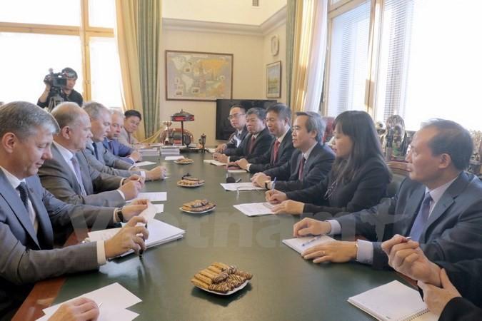 ビン党中央経済委員長 ロシアを訪問 - ảnh 1