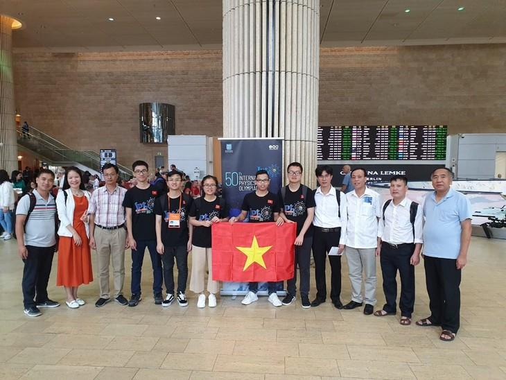 ベトナム、第50回国際物理オリンピックでメダル5個を獲得 - ảnh 1