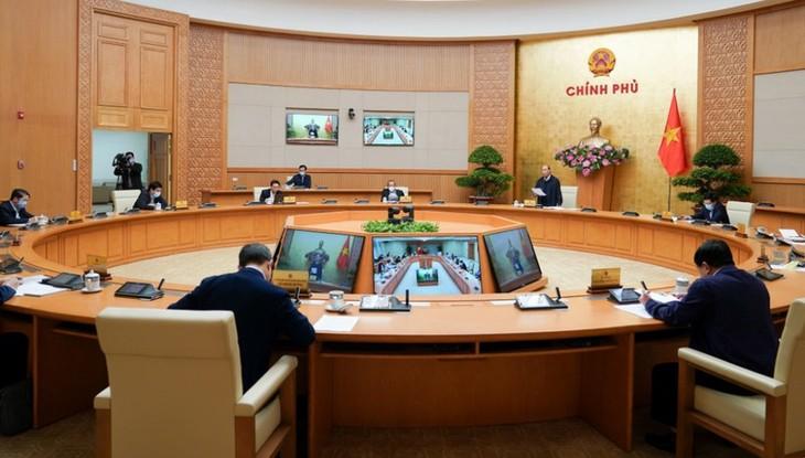 フック首相、新型コロナ予防対策で政府の会議を主宰 - ảnh 1