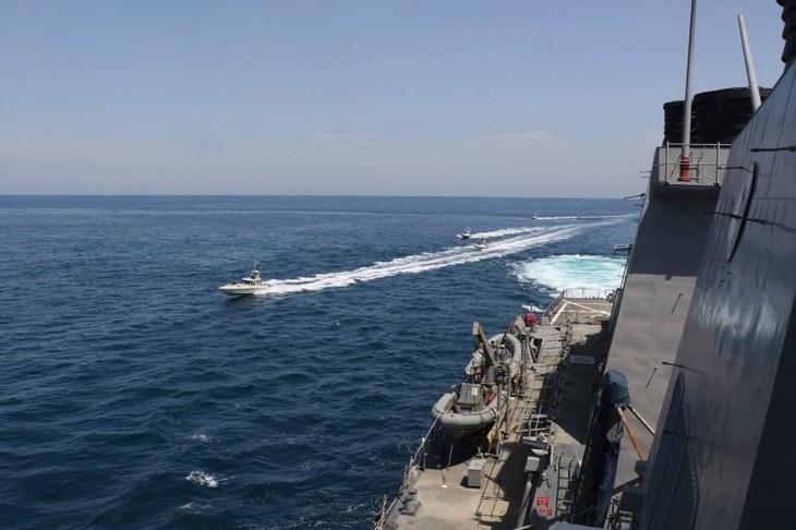「安全脅かす米の船あれば撃沈」イランがけん制 - ảnh 1