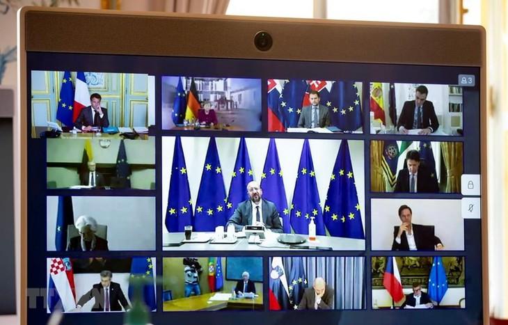 EU、コロナ対応で1兆ユーロの緊急基金設立へ 詳細は持ち越し - ảnh 1