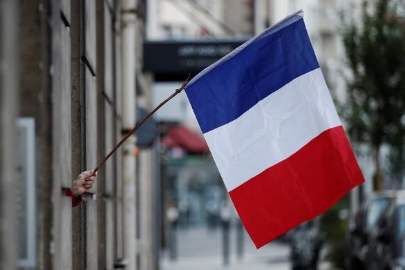 フランス、新型コロナ死者・感染者数が大幅増 制限緩和始まる - ảnh 1