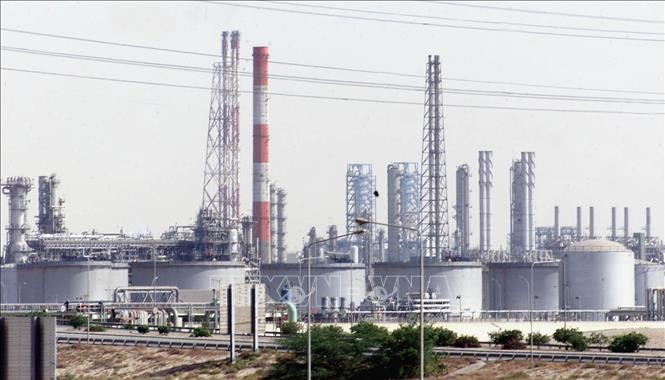 OPECやロシアなど産油国 協調減産を来月末まで維持で合意 - ảnh 1