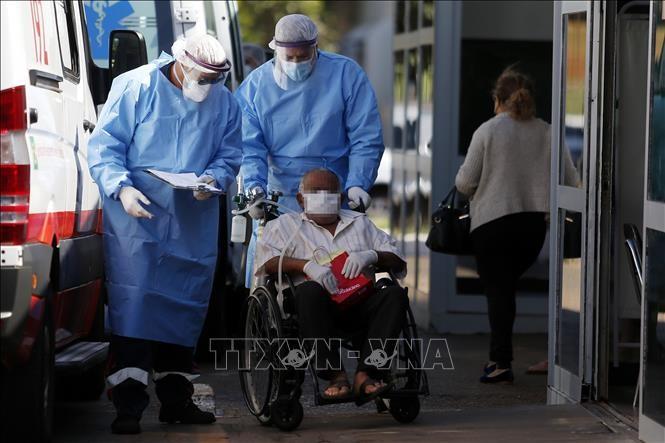 新型コロナウイルス 世界の死者数 40万人超える - ảnh 1
