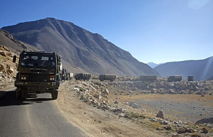 中印国境の係争地で軍衝突、インド兵士20人が死亡 - ảnh 1
