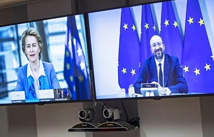 英EU、FTA合意に向け交渉加速で一致 首脳がテレビ会談 - ảnh 1