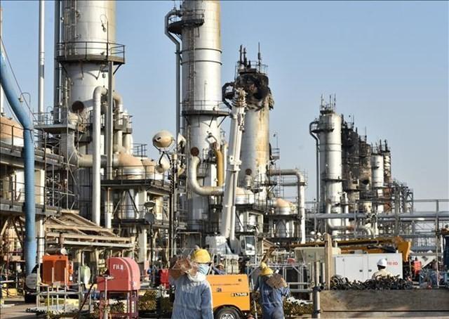 原油先物は下落、OPEC合同監視委が減産縮小を提案との見方 - ảnh 1
