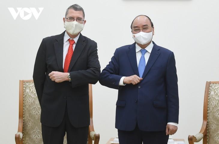 フック首相、オーストリア大使らと会見 - ảnh 1