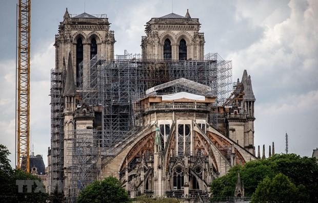 """ノートルダム大聖堂 """"3年後には内部で礼拝へ"""" 仏大統領 - ảnh 1"""