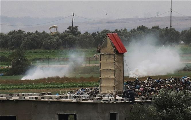ロケット弾攻撃を受けた後、イスラエルがガザ地区を空爆 - ảnh 1