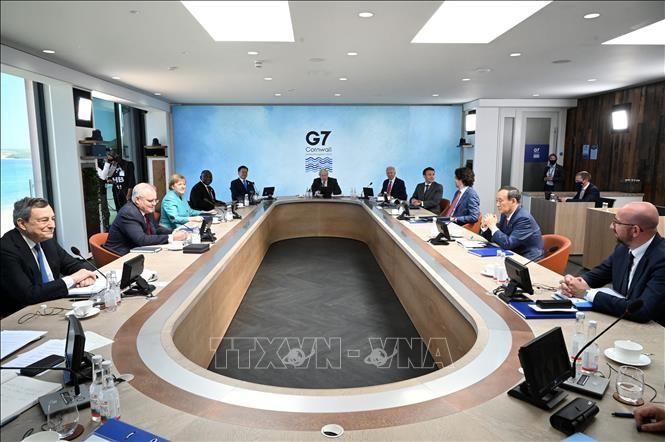 G7首脳宣言、ワクチン支援10億回分や気候変動対策強化を表明 - ảnh 1