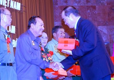 阮善仁出席青年突击队力量传统日纪念活动 - ảnh 1