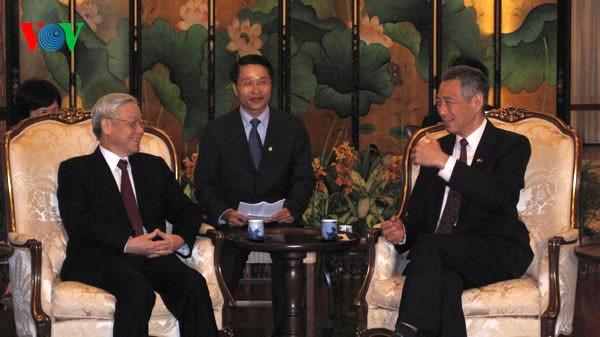 阮富仲与新加坡总理李显龙举行会谈 - ảnh 1