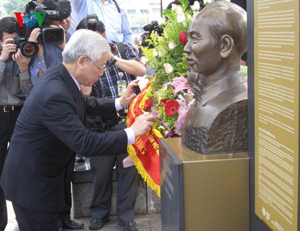 阮富仲与新加坡总理李显龙举行会谈 - ảnh 3