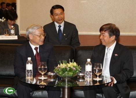 阮富仲会见新加坡人民行动党主席许文远 - ảnh 1