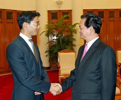 阮晋勇会见德国经济和技术部长罗斯勒 - ảnh 1