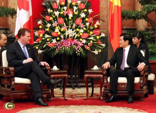 张晋创会见加拿大外交部长约翰.贝尔德 - ảnh 1