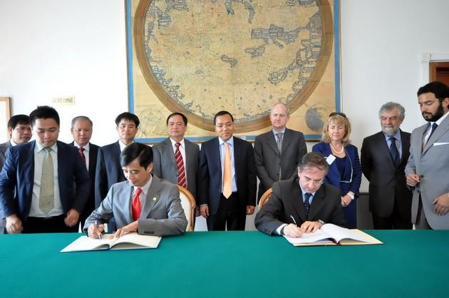 越南-意大利签署航空合作协定 - ảnh 1