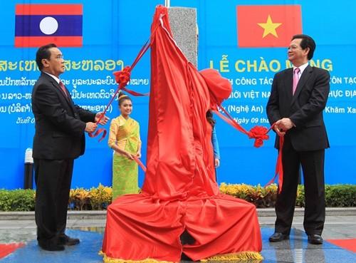 老挝人民对勘界立碑工作完成表示高兴  - ảnh 1