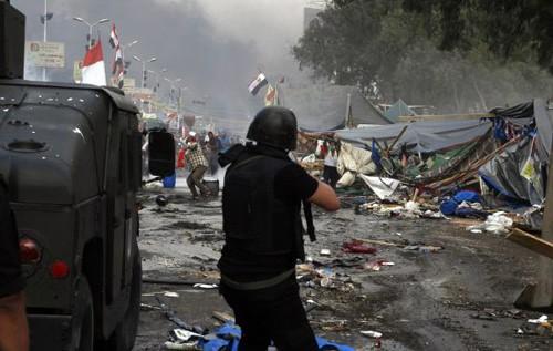 埃及形势更加复杂,各国继续撤侨 - ảnh 1