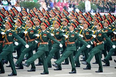 纪念越南人民军成立69周年 - ảnh 1