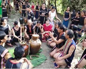 莫侬族史诗及其保护工作 - ảnh 2