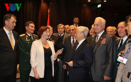越共中央总书记阮富仲圆满结束对白俄罗斯的正式访问 - ảnh 1