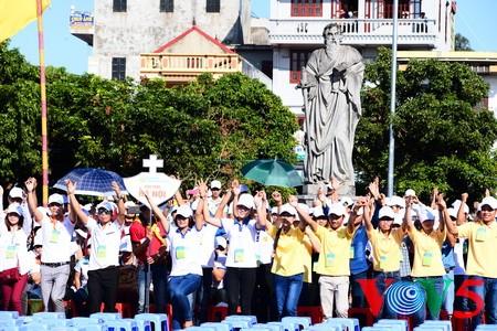 天主教河内总教区青年教徒大会隆重举行 - ảnh 8